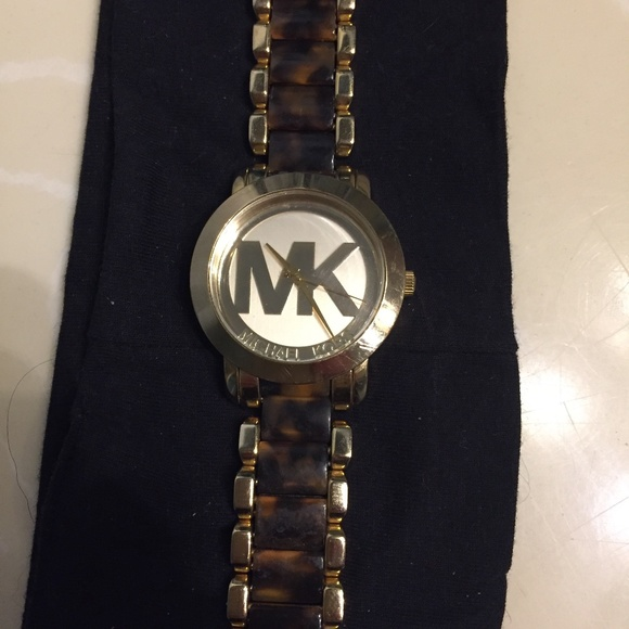 MK watch gently used with original box